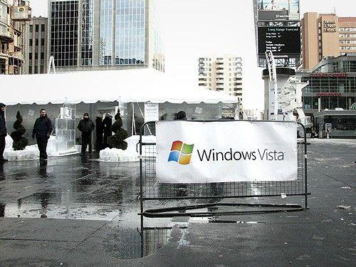 Вот такой в Торонто дом из льда Microsoft (32 Фото)