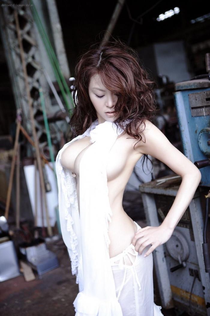 Азиатка с большими формами. Без НЮ. (12 фото)