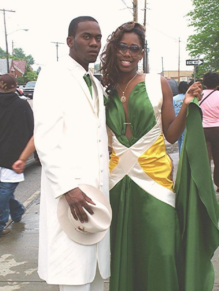 То ли выпускной, то ли свадьба в гетто (12 фото)