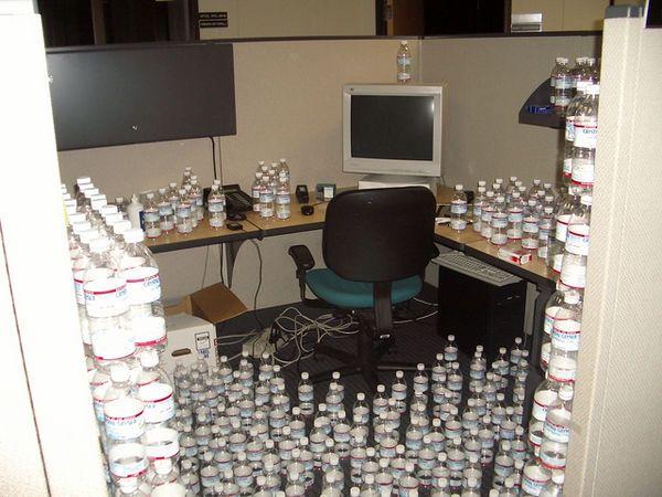 Офисный прикол (5 фотографий)