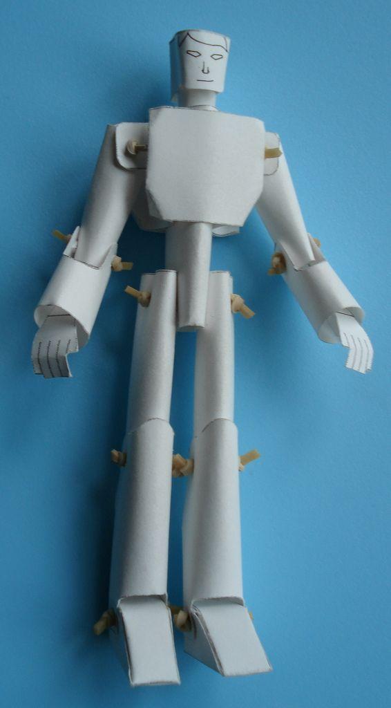 Человечек из бумаги (14 фото)