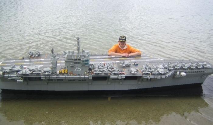 USS Lego