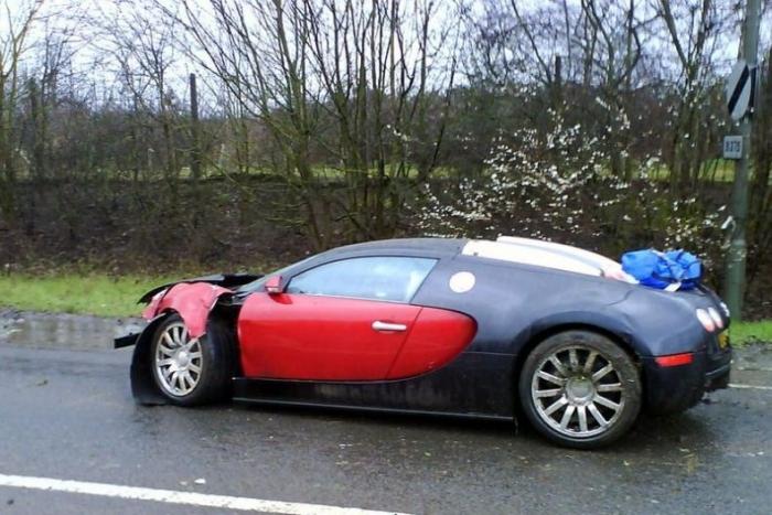 Разбитый Bugatti Veyron или прощай 1 миллион евро (2 фото)
