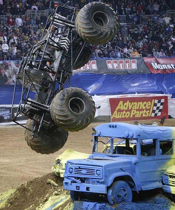 Monster Trucks - потрясающие автомобили (14 фото) .