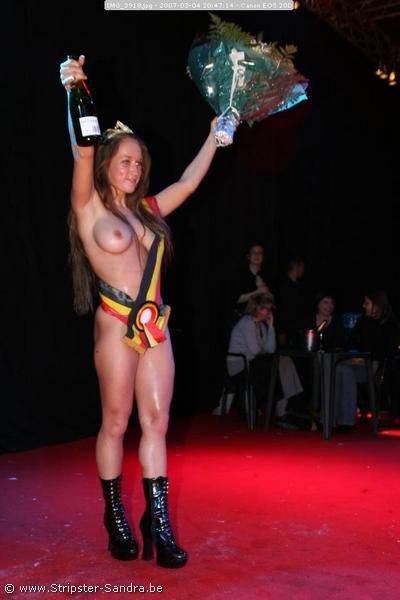 Мисс Обнаженная Бельгия. И как вам? (9 фото) НЮ
