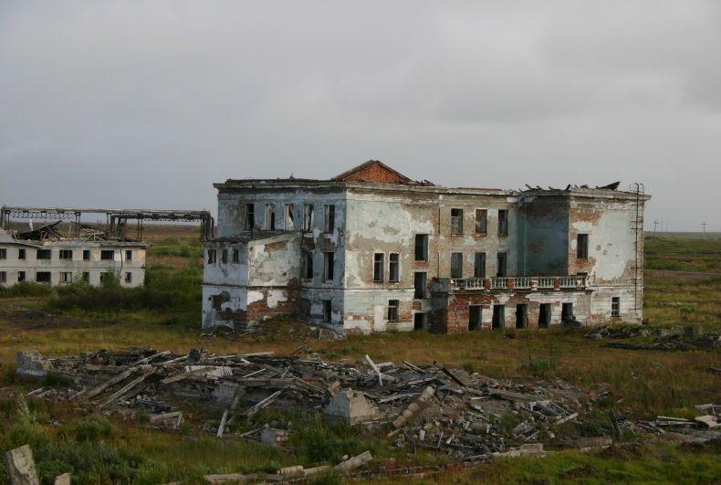 Воркута. Промышленный. Мертвый поселок (37 фото)