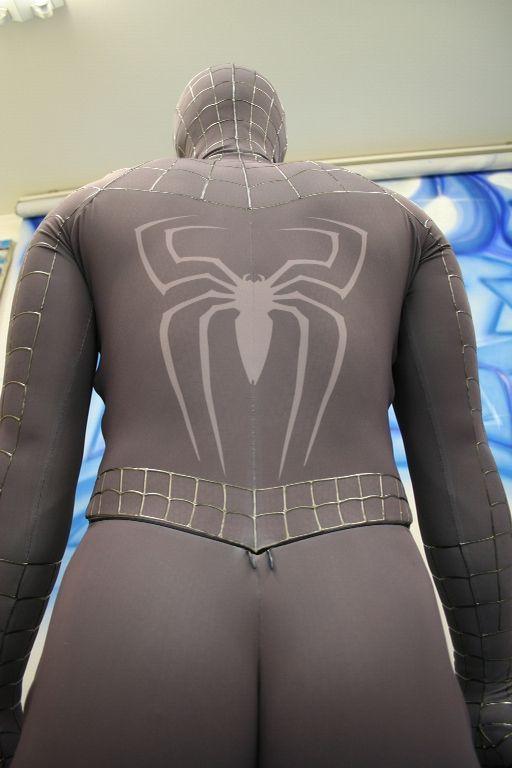 Вот такой костюм Спайдермэна продается на Ebay