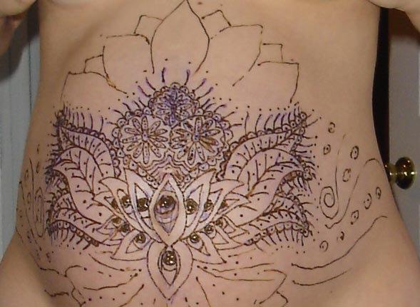 Роспись животов беременных женщин. Симпатично (20 фото)