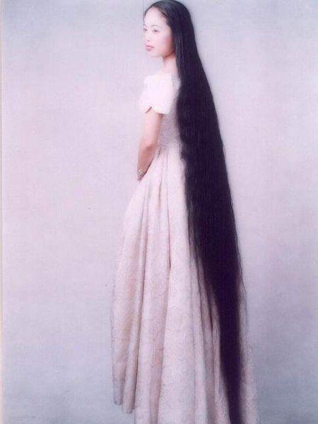 Часто резкое выпадение волос провоцируют венерические