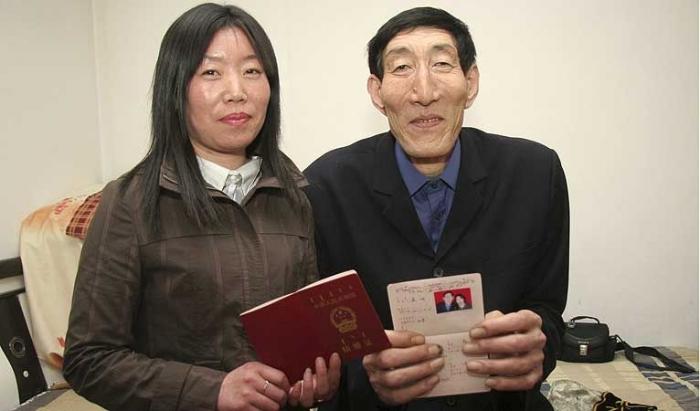 Свершилось ... Женился самый большой человек в мире (2 фото)