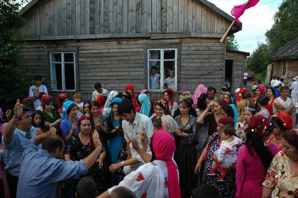 http://de.trinixy.ru/pics2/20070329/tsigane_04.jpg