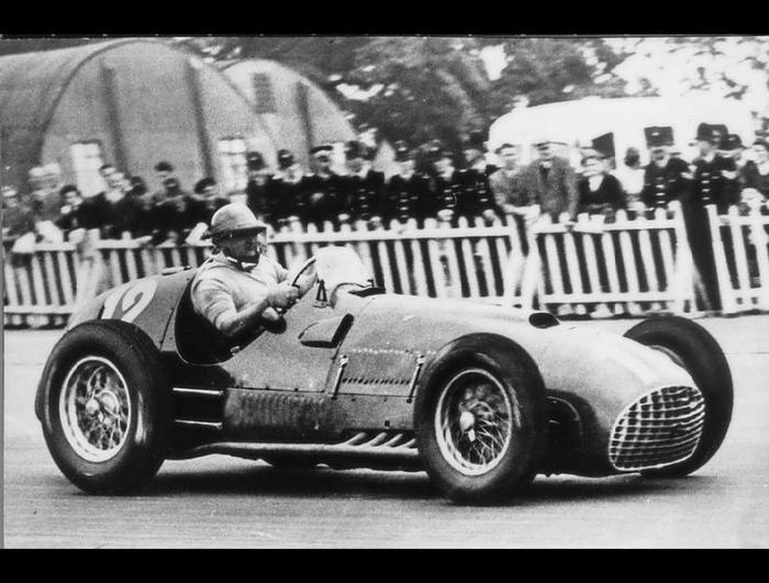 Ferrari - это легенда (16 фото)