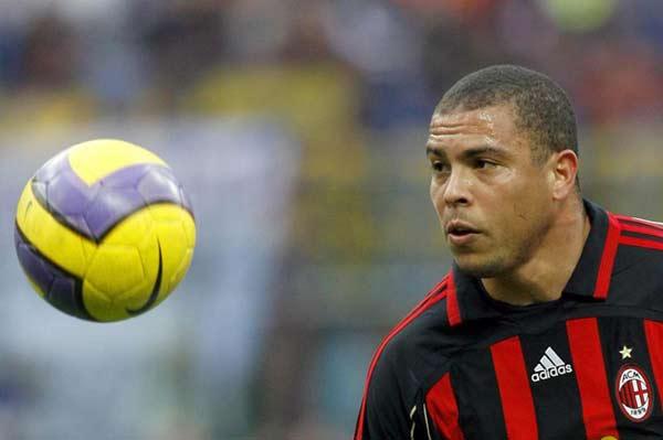 http://de.trinixy.ru/pics2/20070411/football_12.jpg