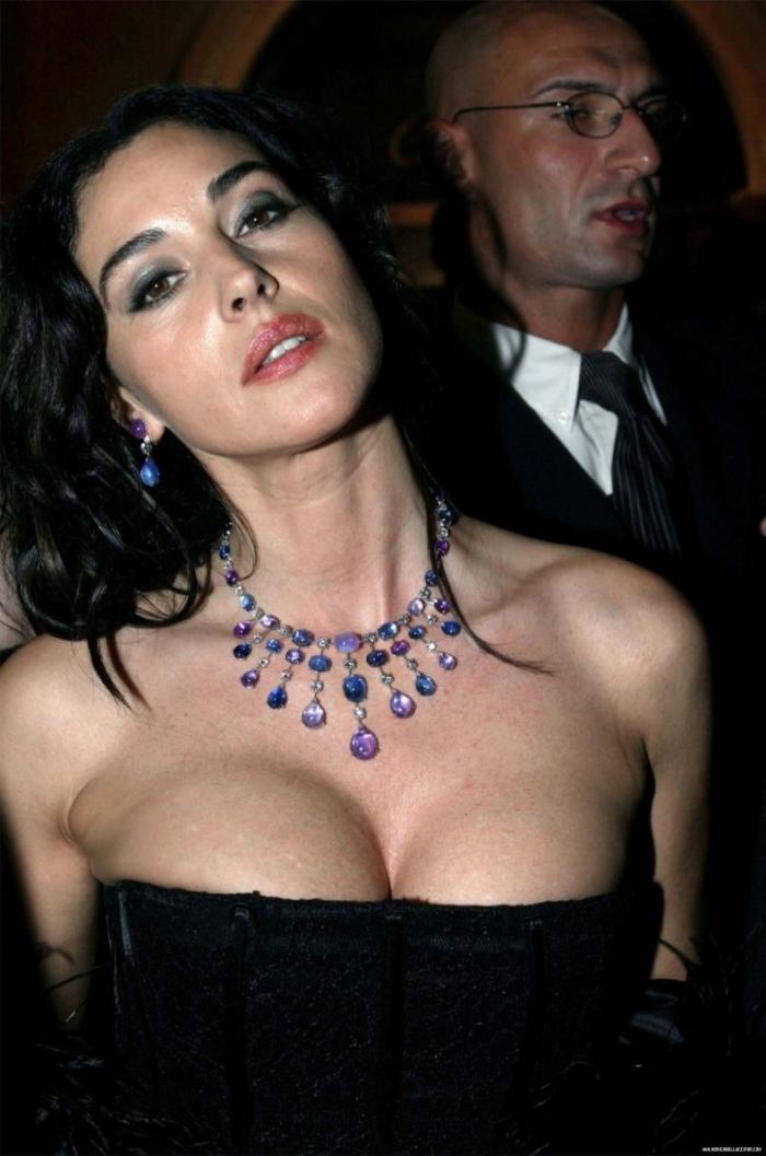 Моника Белуччи на вечеринке Картье (8 фото)