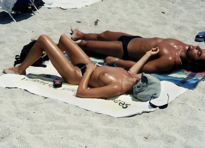 Black girl topless beach — photo 10