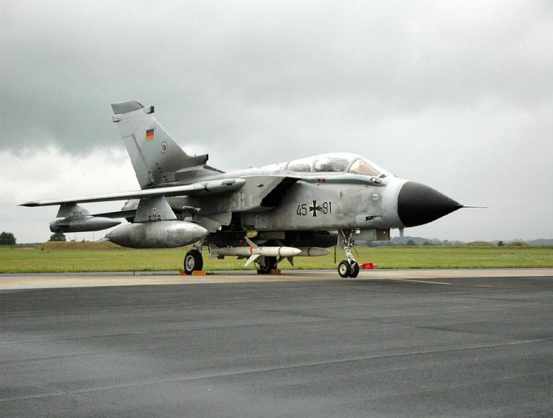 Военные самолеты 62 фото