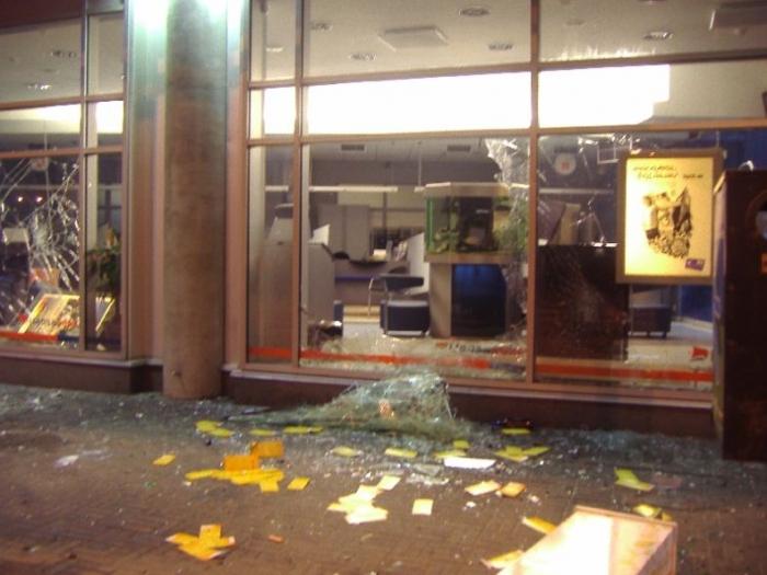Беспорядки в Таллине (32 фото + видео)