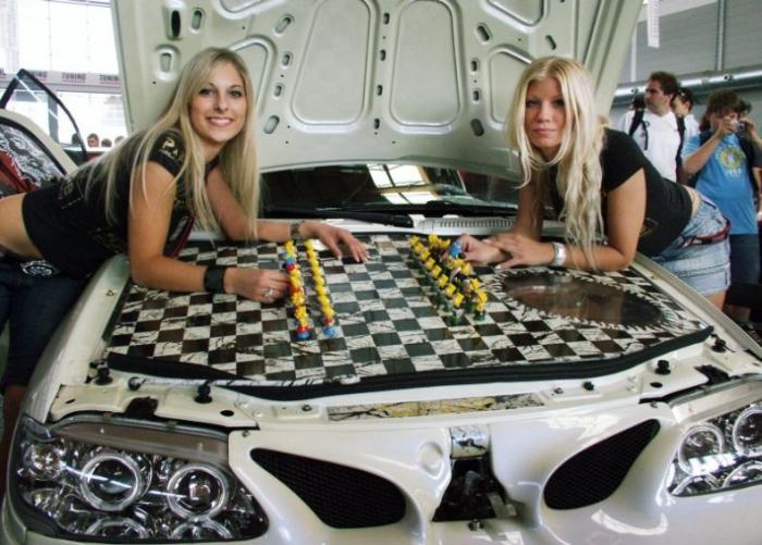 Тюнингованные авто на выставке в Friedrichshafen 2007 (39 фото)