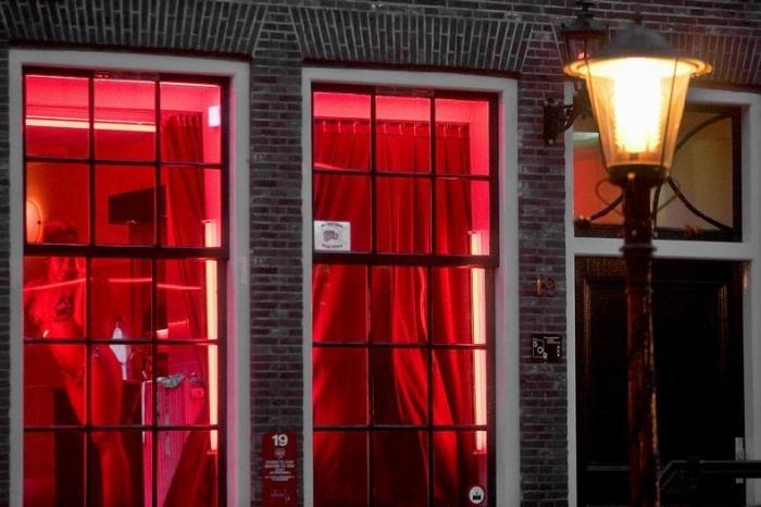 Знаменитая улица красных фонарей (40 фото)