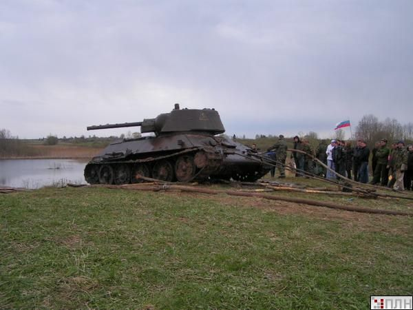 В озере нашли танк Т-34 вермен ВОВ (13 фото)