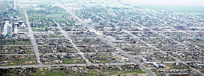 Канзасское торнадо (15 фото)