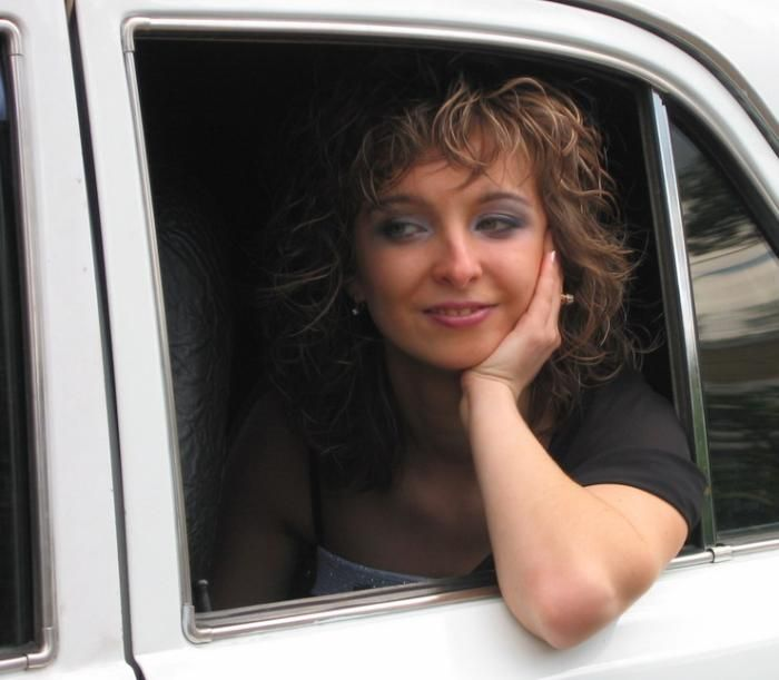Автошоу - машины = девушки? (35 фото)