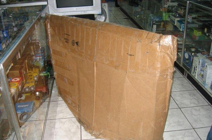 Упаковка плазменного ТВ (8 фото)