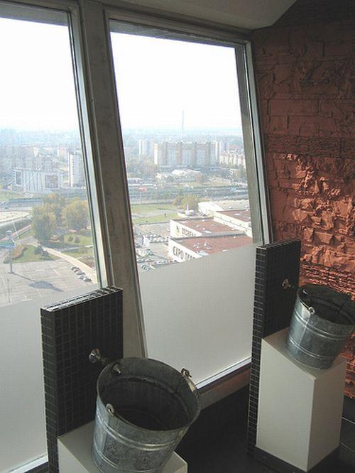 Туалеты в которых все видно (13 фото)