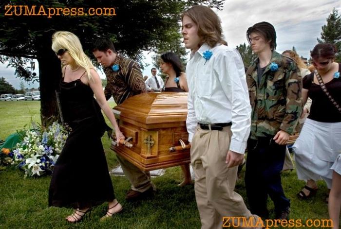 Умирая день за днем: Мамин путь (24 фото)