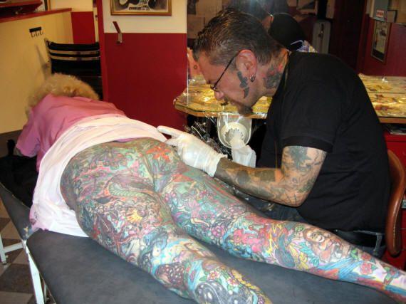 Жесть дня. Isobel Varley - самая татуированная пенсионерка в мире (28 фото) НЮ
