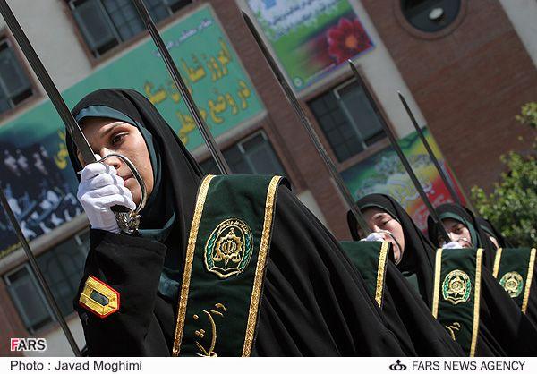 Иранская полицейская академия. Женский спецназ (9 фото)