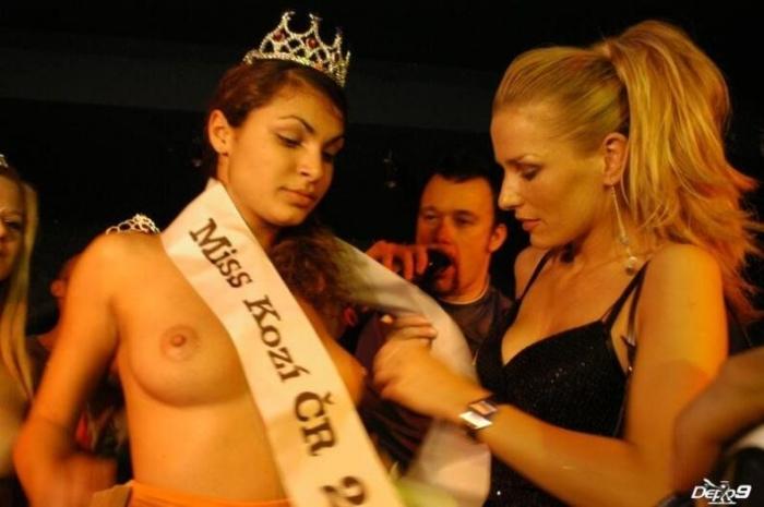 Конкурс Miss Tits. Проходит в Праге (50 фото) Много НЮ