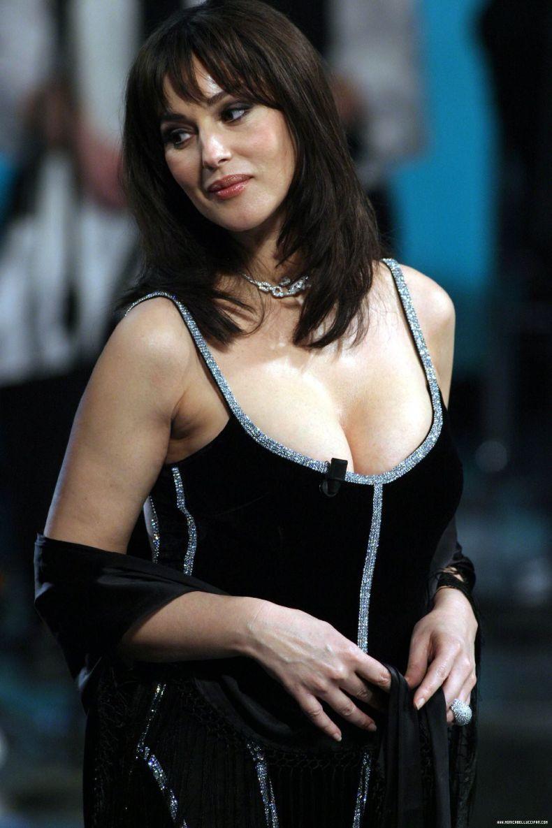 Monica Bellucci sex  XVIDEOSCOM
