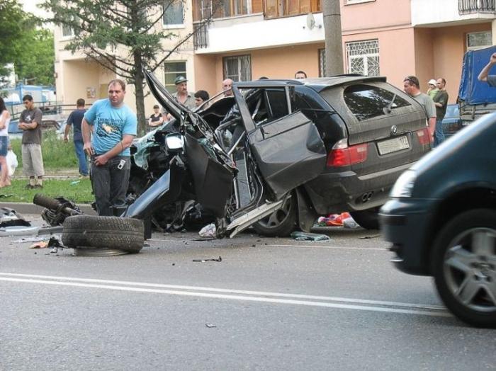 Авария BMW X5 (5 фото)