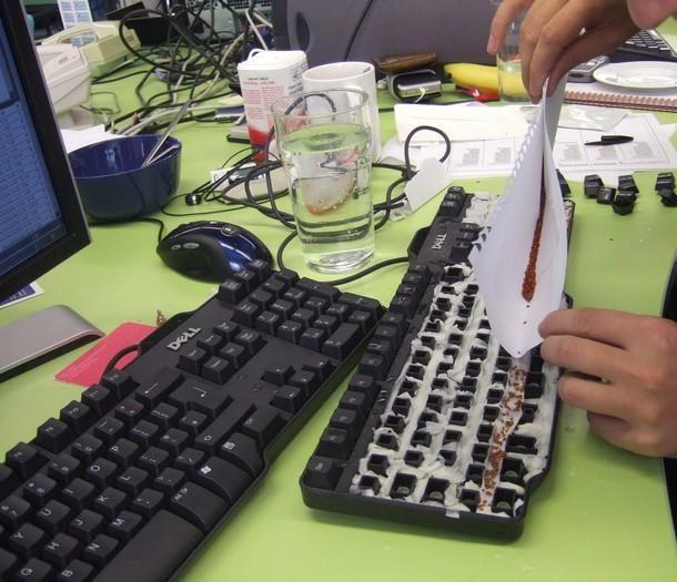 Идея для офисных бездельников )) (3 фото)