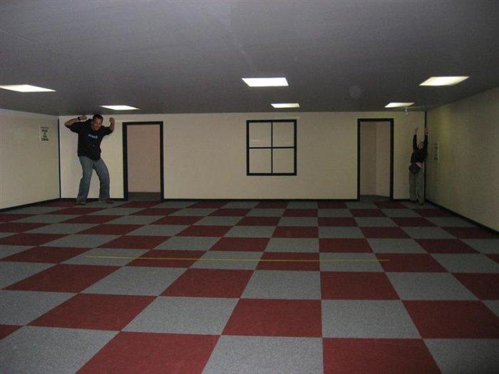 Как работает комната Эймса (7 фото + видео)