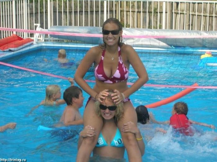 Девушки в бикини и летней одежде (200 фото)