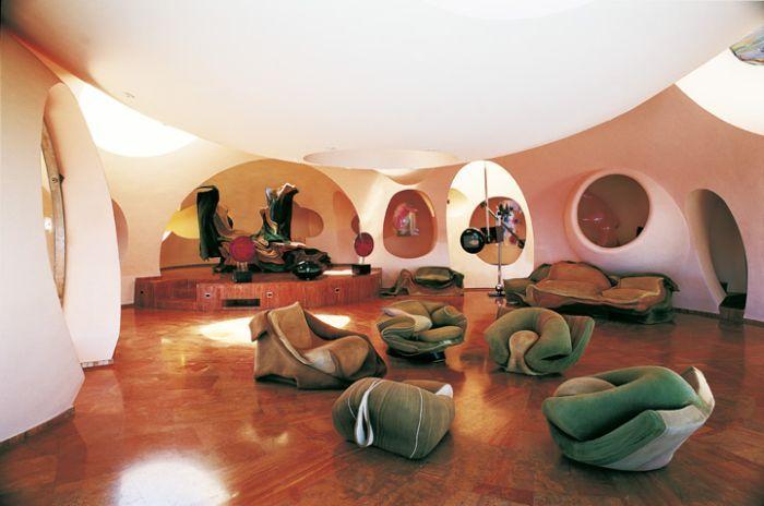 Дом Пьера Кардена (8 фото)