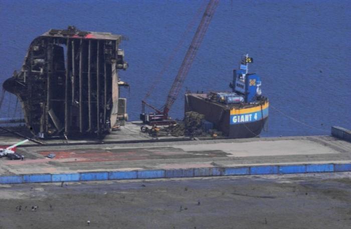Морская авария (7 фото)
