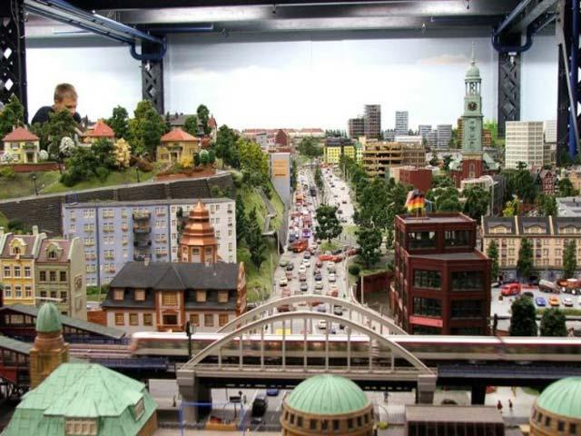 миниатюрные улицы и города фото очень быстрый вариант