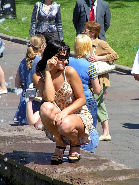 Съемки девушки в фонтане (35 фото)