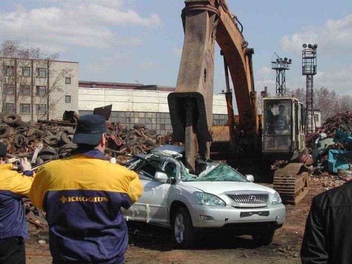 Новый вид эвакуации автомобилей (7 фото)