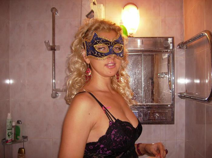 Karina-Barbie и подружки на домашних вечеринках (28 фото) НЮ