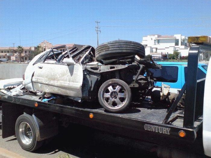 Последствия одной аварии (4 фото)