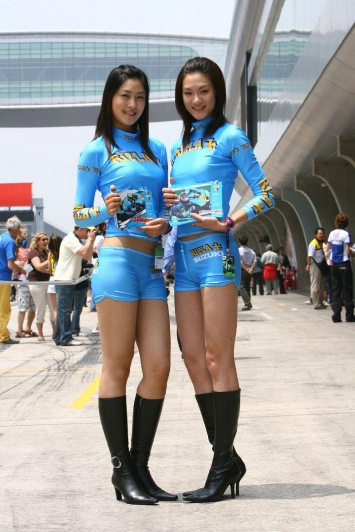 Девушки из Suzuki (56 фото)
