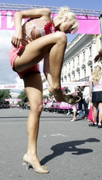 Питерский спринт на шпильках (6 фото)