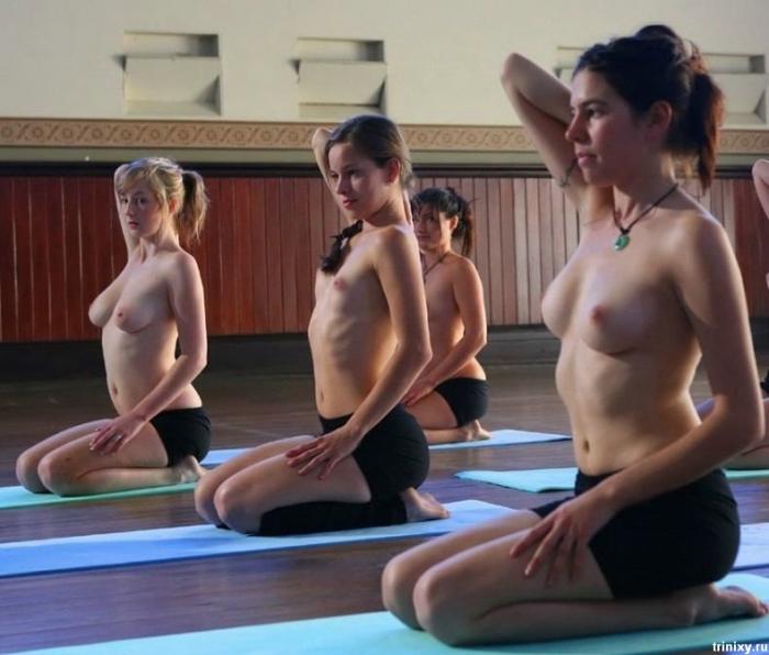 Обнаженная йога в Австралии. Симпатично (16 фото)