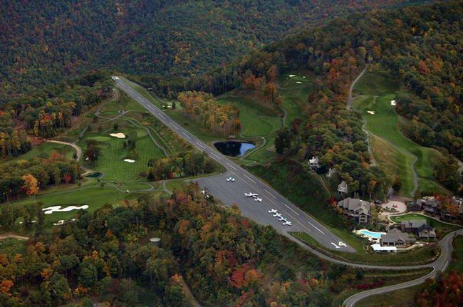 Самые опасные взлетно-посадочные полосы в мире (24 фото)