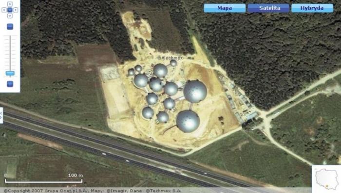 Самая крутая радиостанция в мире (9 фото)