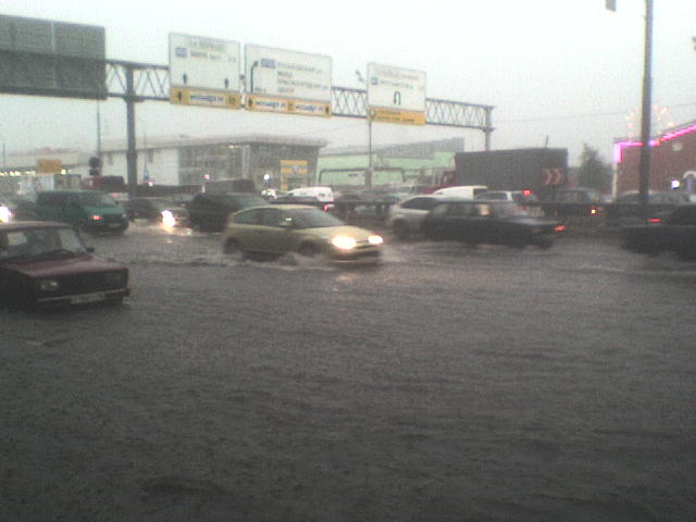 Вчерашний потоп в Москве (17 фото)